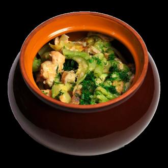 Рыба в горшочке с овощами и картофелем